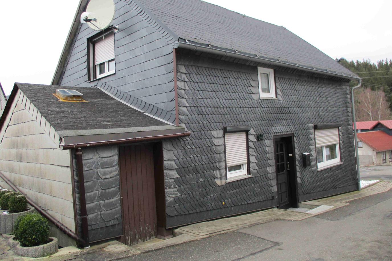 bezugsfertiges kleines Wohnhaus